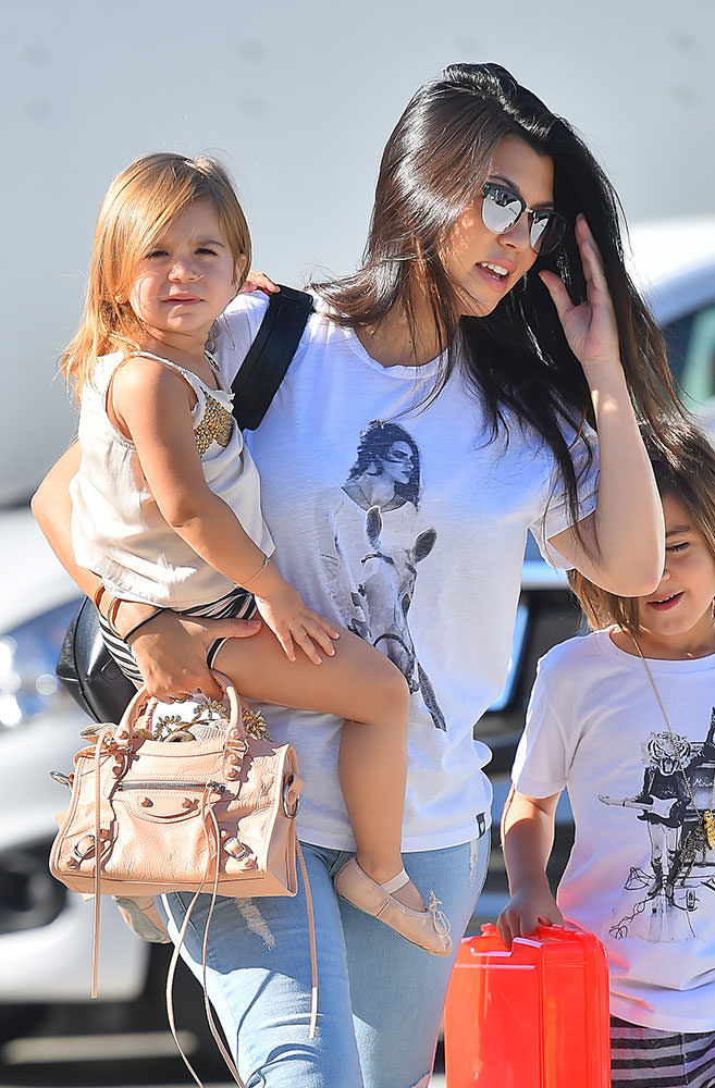 Kourtney-Kardashian-Balenciaga-Mini-City-bag