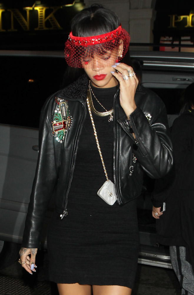 The Many Bags of Rihanna Part 3-10
