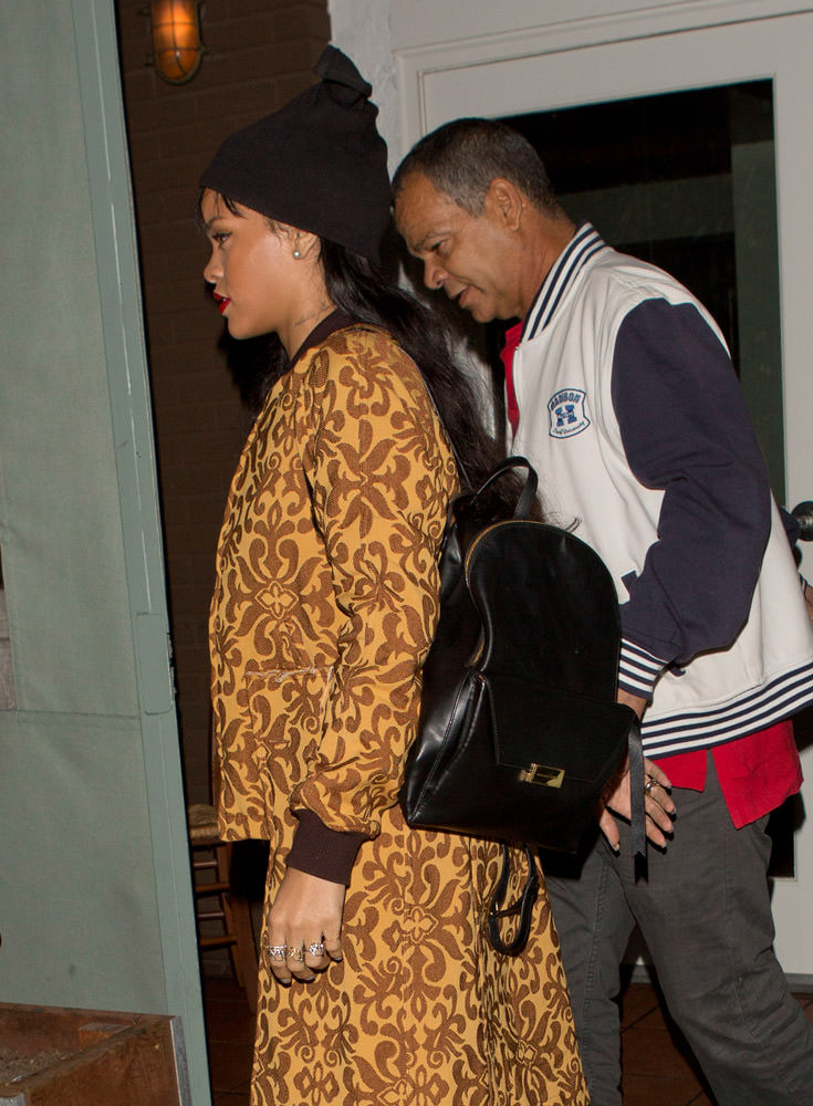 The Many Bags of Rihanna Part 3-11