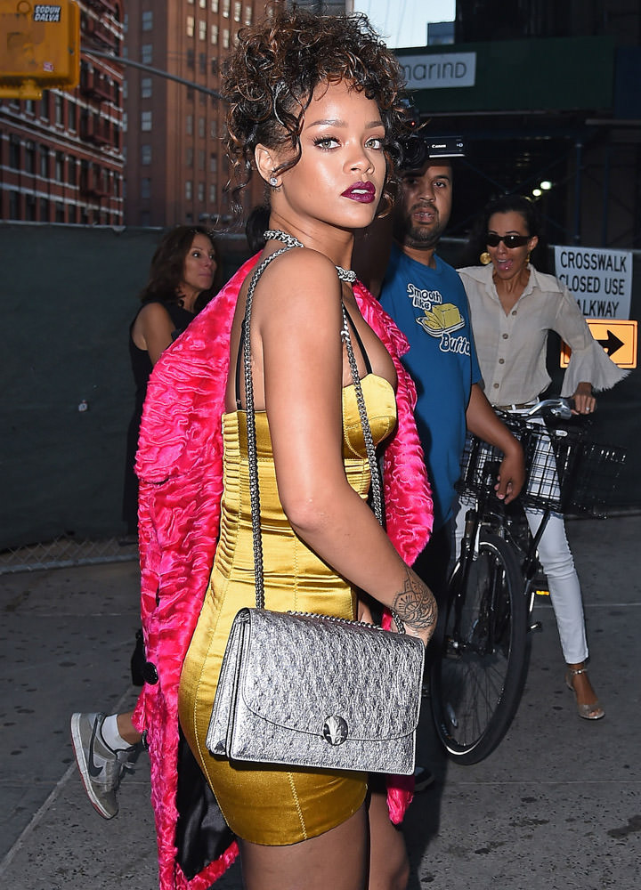 The Many Bags of Rihanna Part 3-22