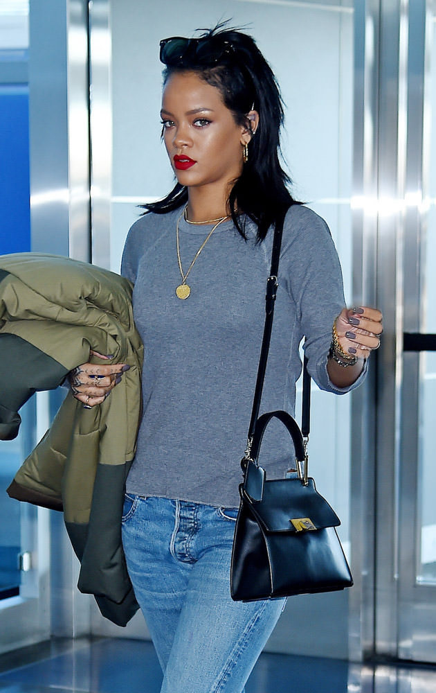 The Many Bags of Rihanna Part 3-23