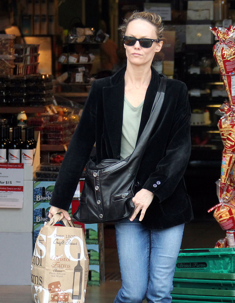 Vanessa-Paradis-Chanel-Girl-Bag