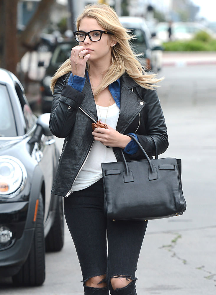 Ashley-Benson-Saint-Laurent-Small-Sac-de-Jour