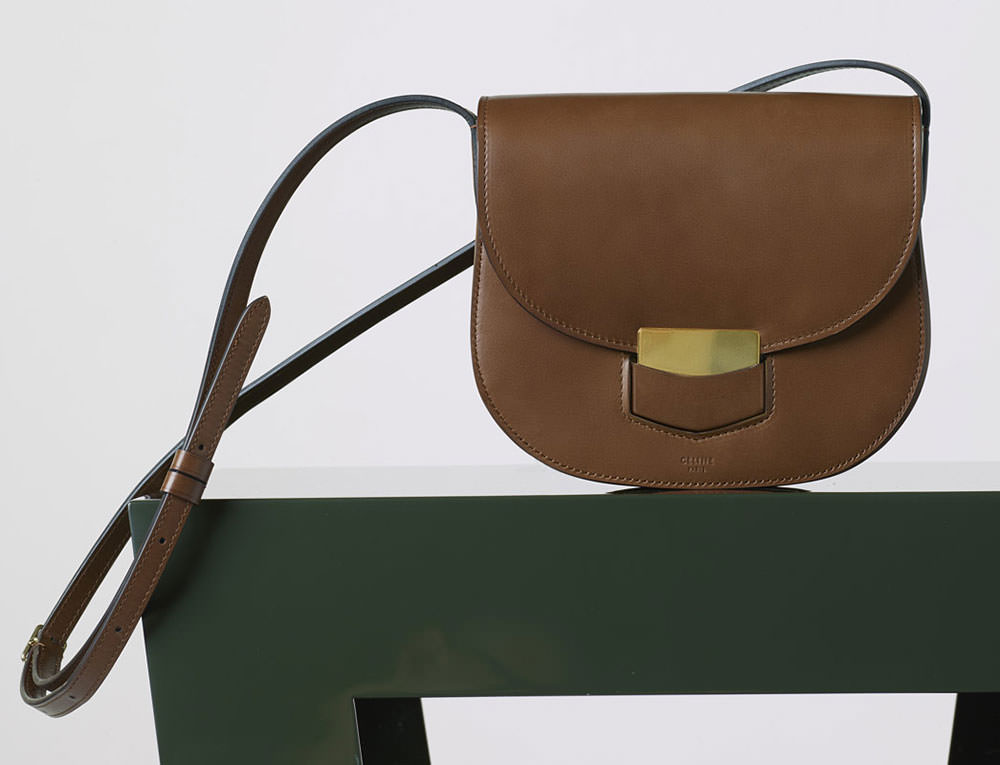 Celine-Small-Trotteur-Shoulder-Bag-Chestnut