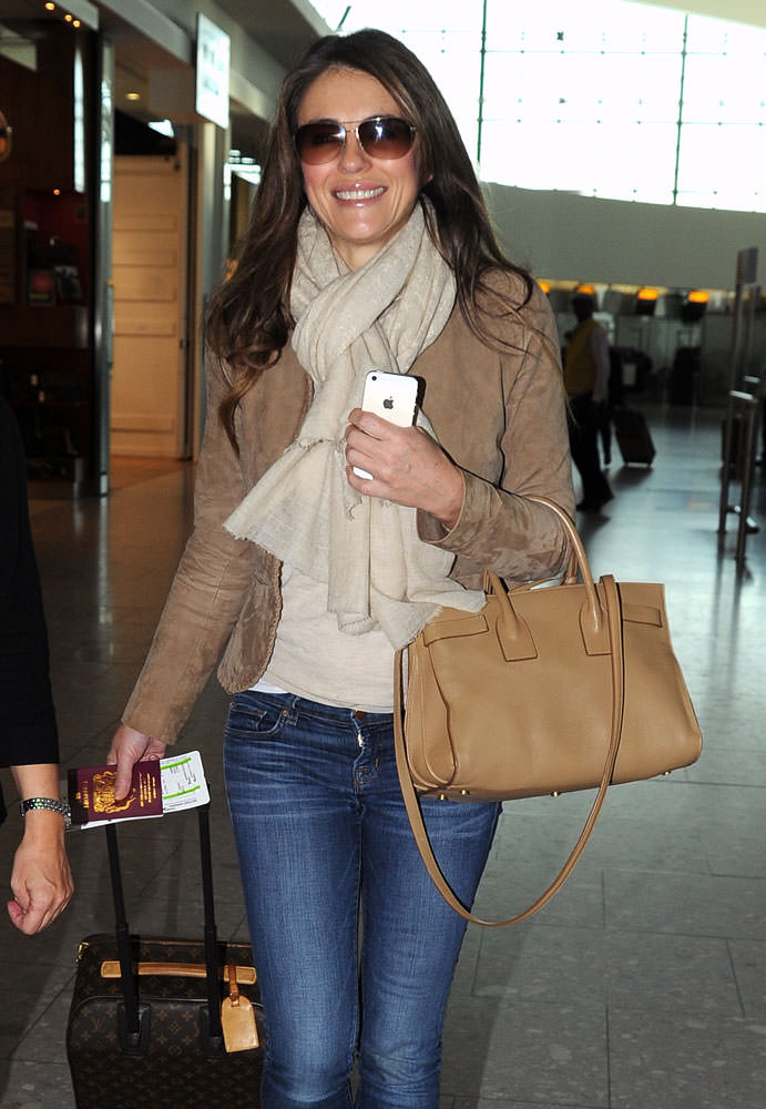 Elizabeth-Hurley-Saint-Laurent-Small-Sac-de-Jour