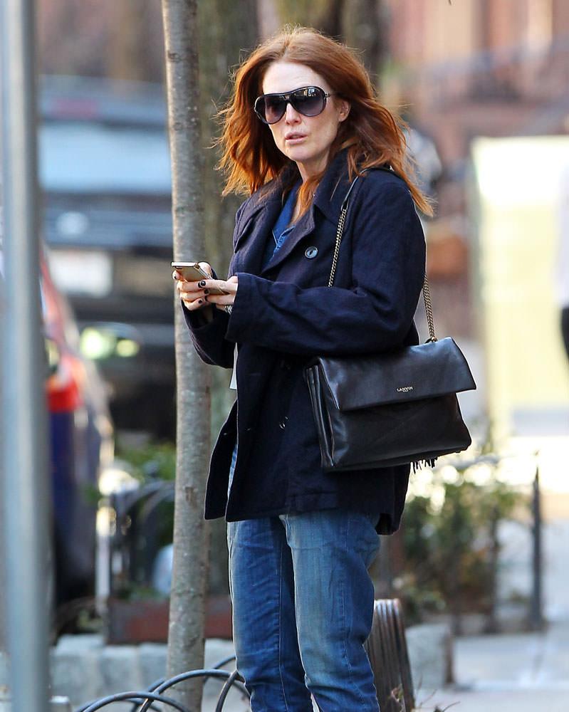 Julianne-Moore-Lanvin-Sugar-Shoulder-Bag