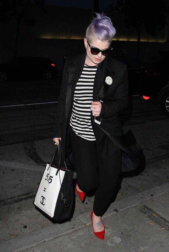 Kelly-Osbourne-Chanel-Multiplication--Tote