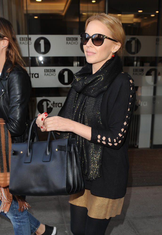Kylie-Minogue-Saint-Laurent-Small-Sac-de-Jour