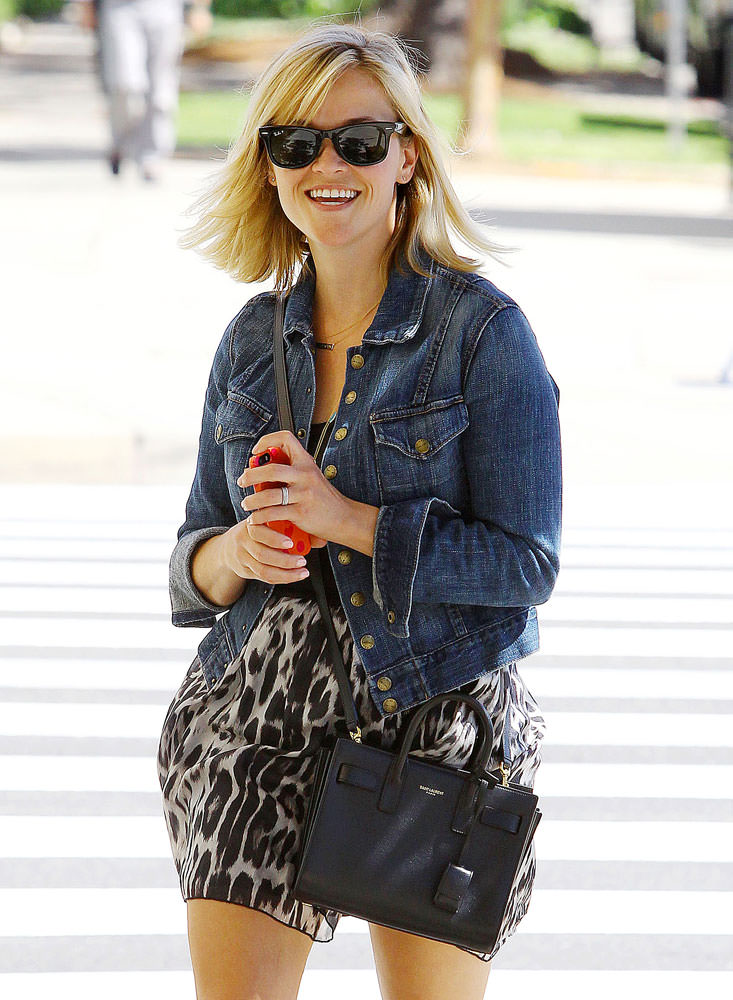 Reese-Witherspoon-Saint Laurent Nano-Sac-de-Jour