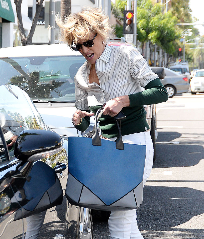 Sharon-Stone-Givenchy-Easy-Tote