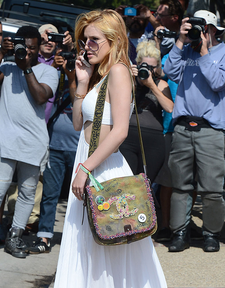 Bella-Thorne-Chanel-Messenger-Bag