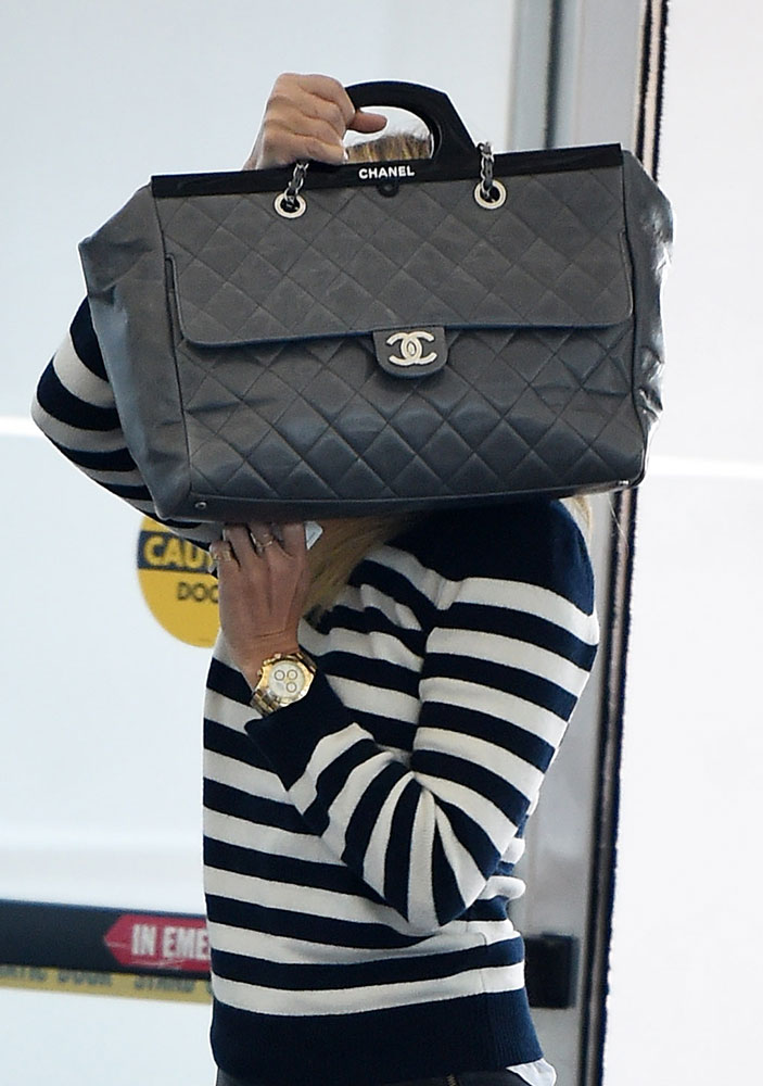 Gwyneth-Paltrow-Chanel-Frame-Tote