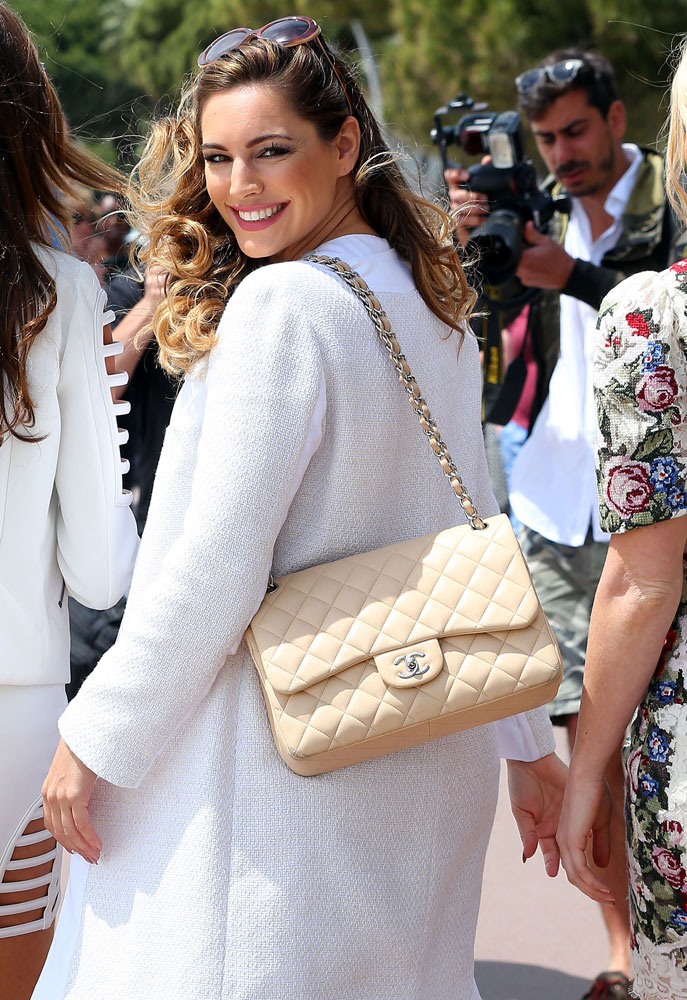 Kelly-Brook-Chanel-Classic-Flap-Bag