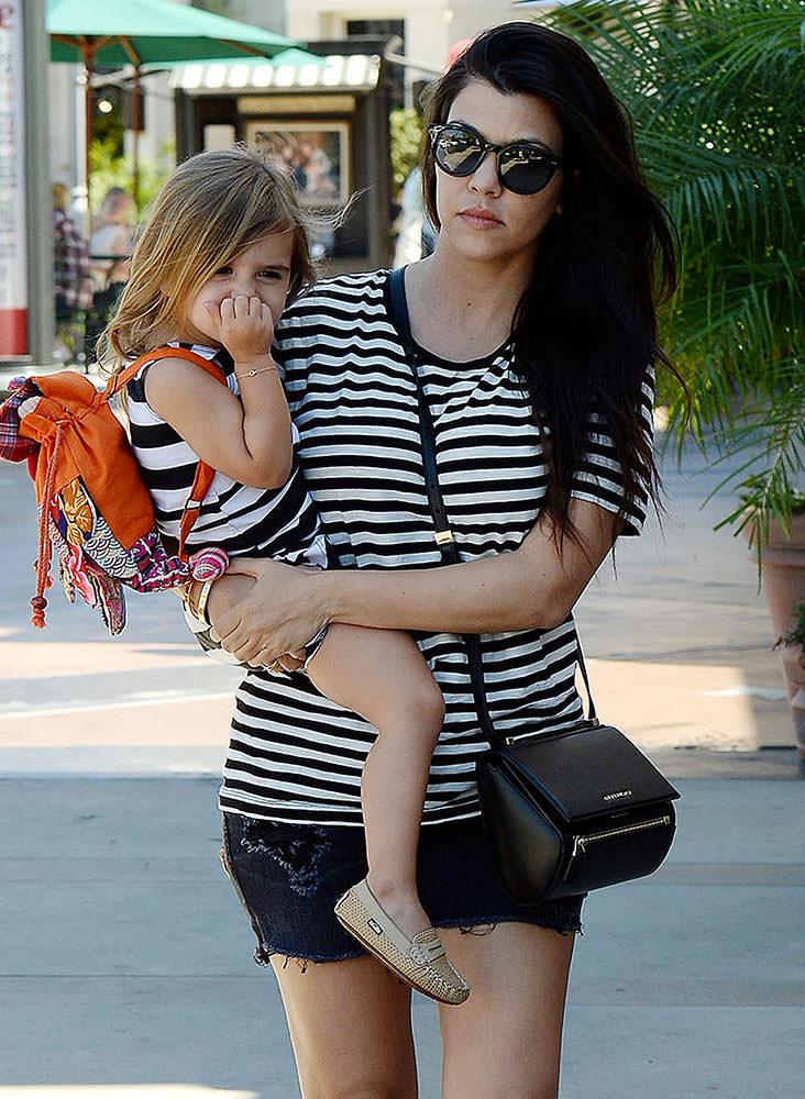 Kourtney-Kardashian-Givenchy-Mini-Pandora-Box-bag
