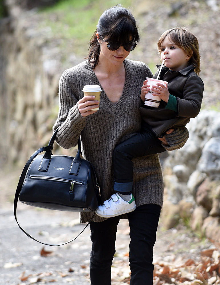 Selma-Blair-Marc-Jacobs-Incognito-Bag