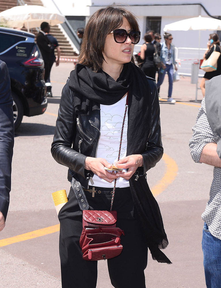 Sophie-Marceau-Chanel-Mini-Messenger-Bag
