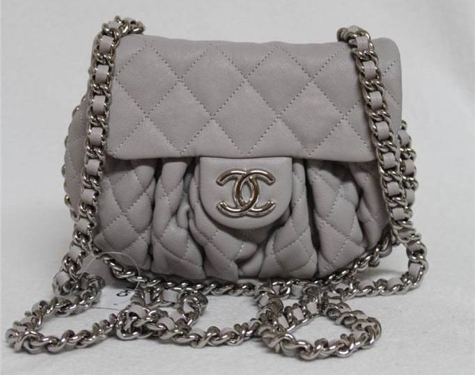 Chanel-Messenger-Bag