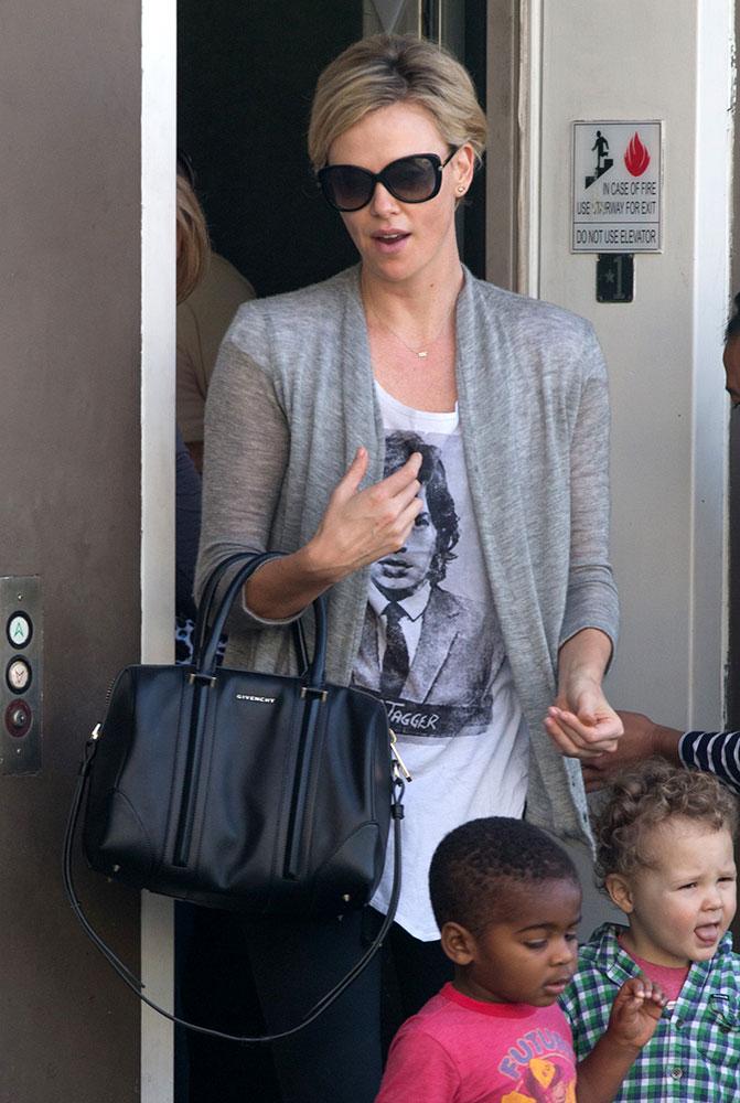 Charlize-Theron-Givenchy-Lucrezia-Bag