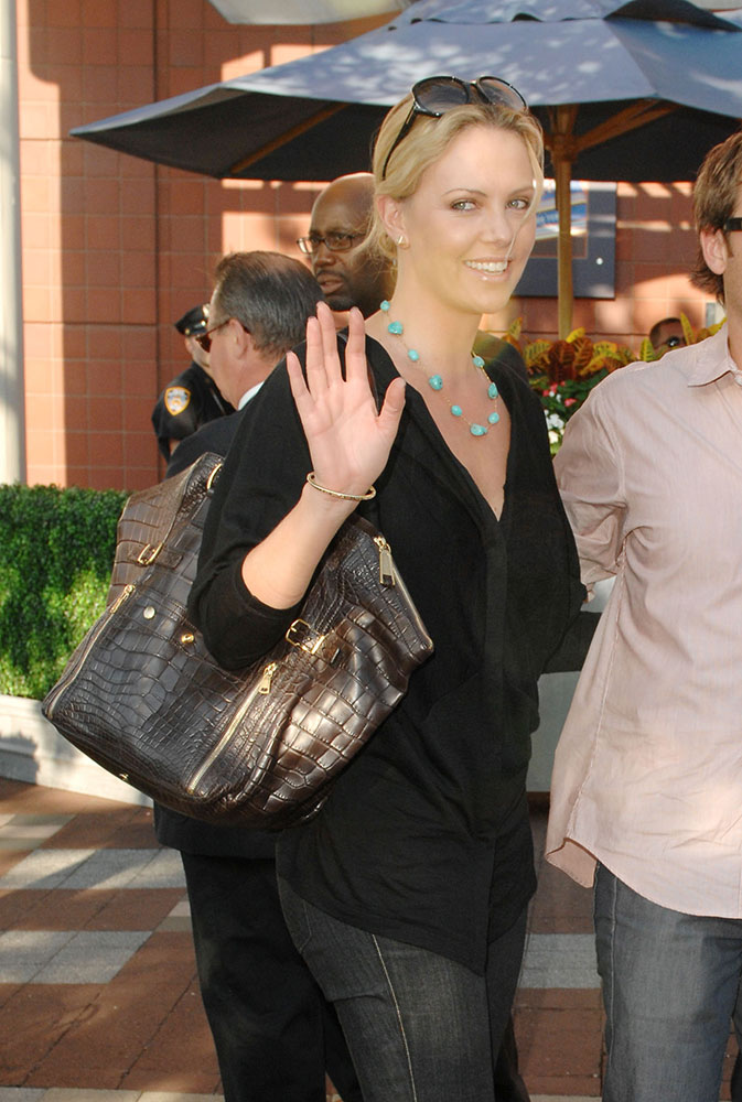 Charlize-Theron-Yves-Saint-Laurent-Downtown-Tote