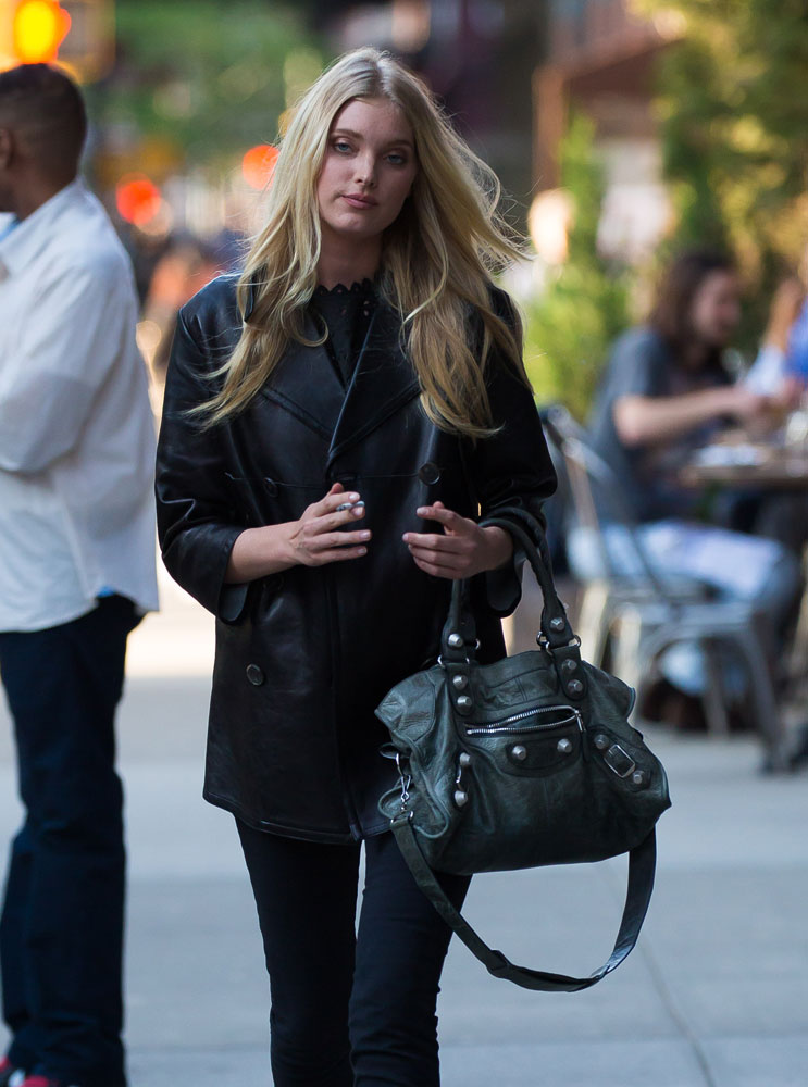 Elsa-Hosk-Balenciaga-Giant-City-Bag