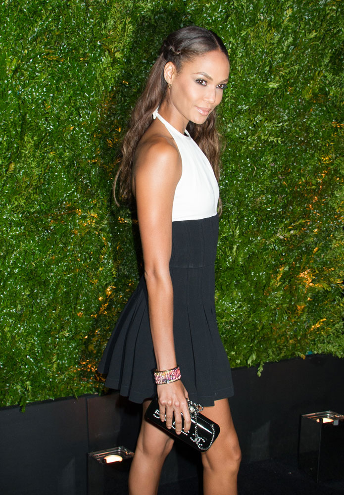 Joan-Smalls-Chanel-Mulitplication-Minaudiere