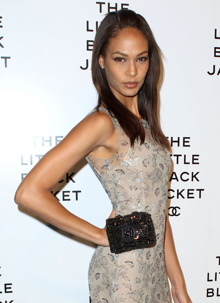 Joan-Smalls-Chanel-Strass-Pouch