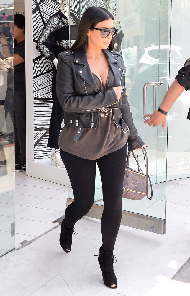 Kim-Kardashian-Givenchy-Mini-Pandora-Bag-4