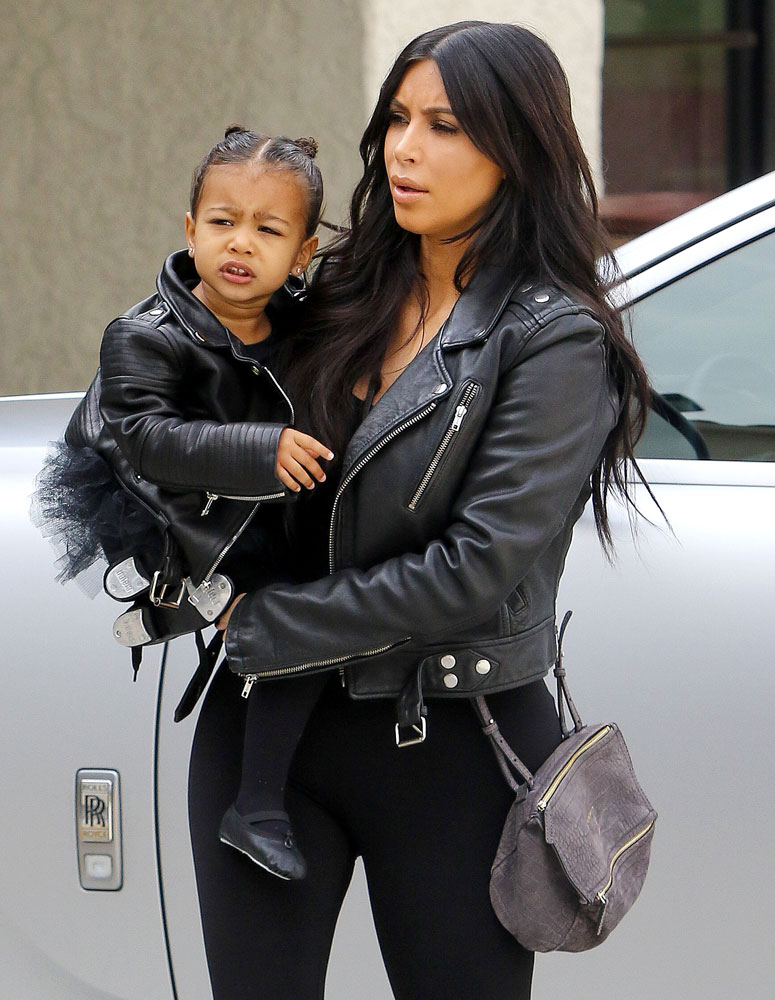 Kim-Kardashian-Givenchy-Mini-Pandora-Bag-5