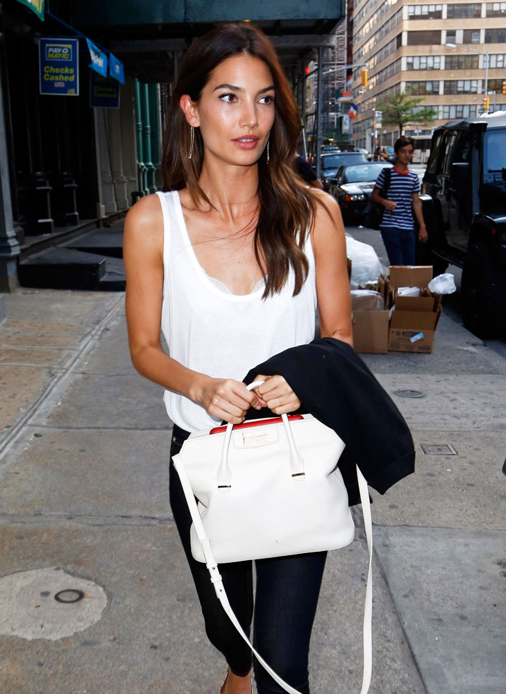 Lily-Aldridge-The-Row-Carryall-Tote
