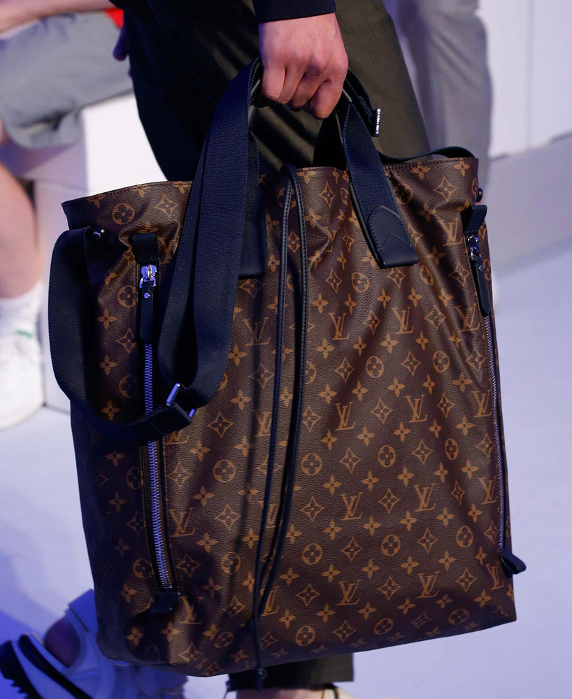 Louis-Vuitton-Spring-2016-Men's-Bags-11