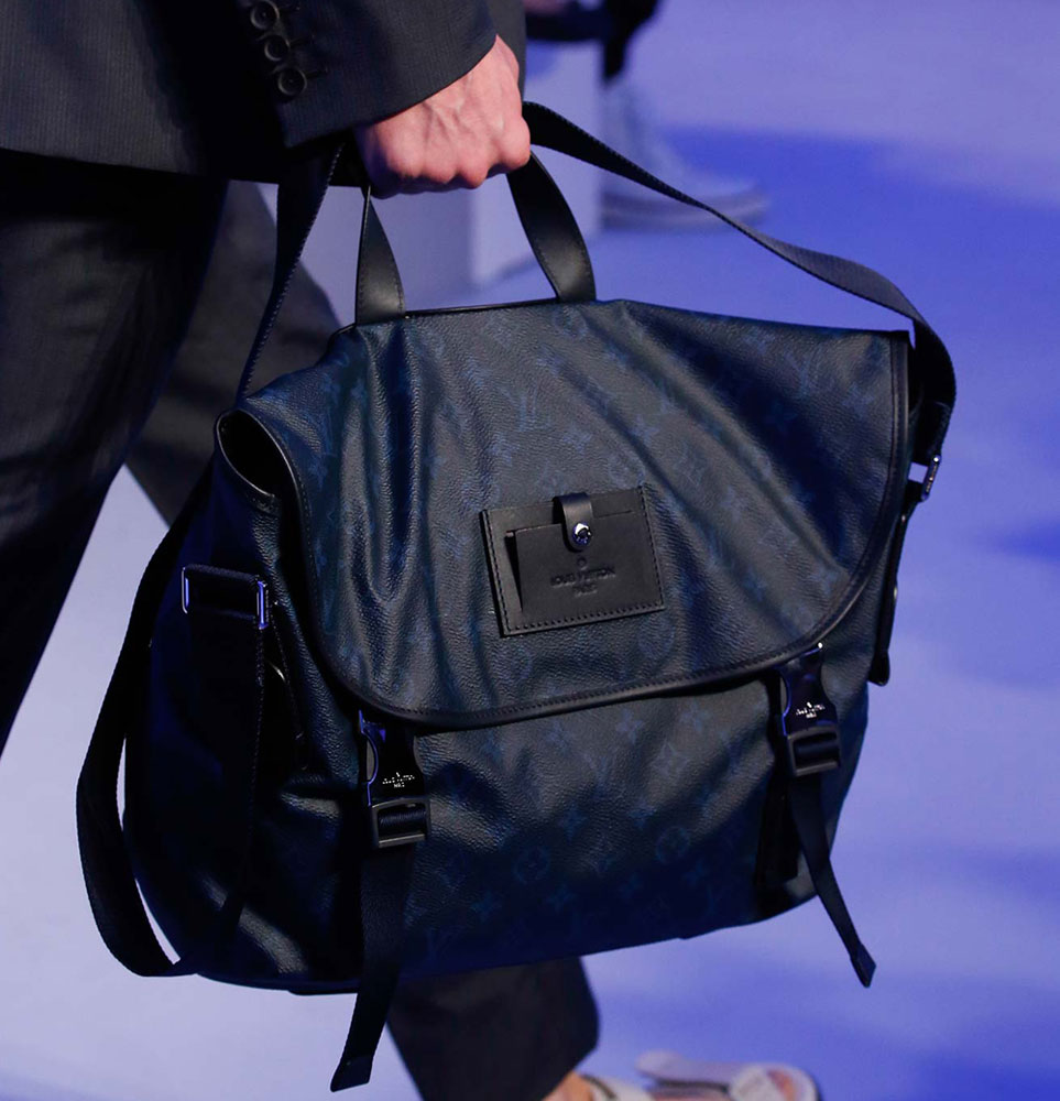 Louis-Vuitton-Spring-2016-Men's-Bags-15