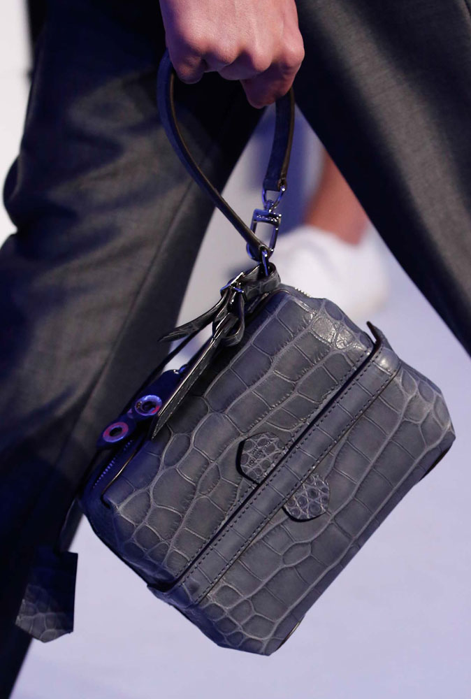 Louis-Vuitton-Spring-2016-Men's-Bags-16