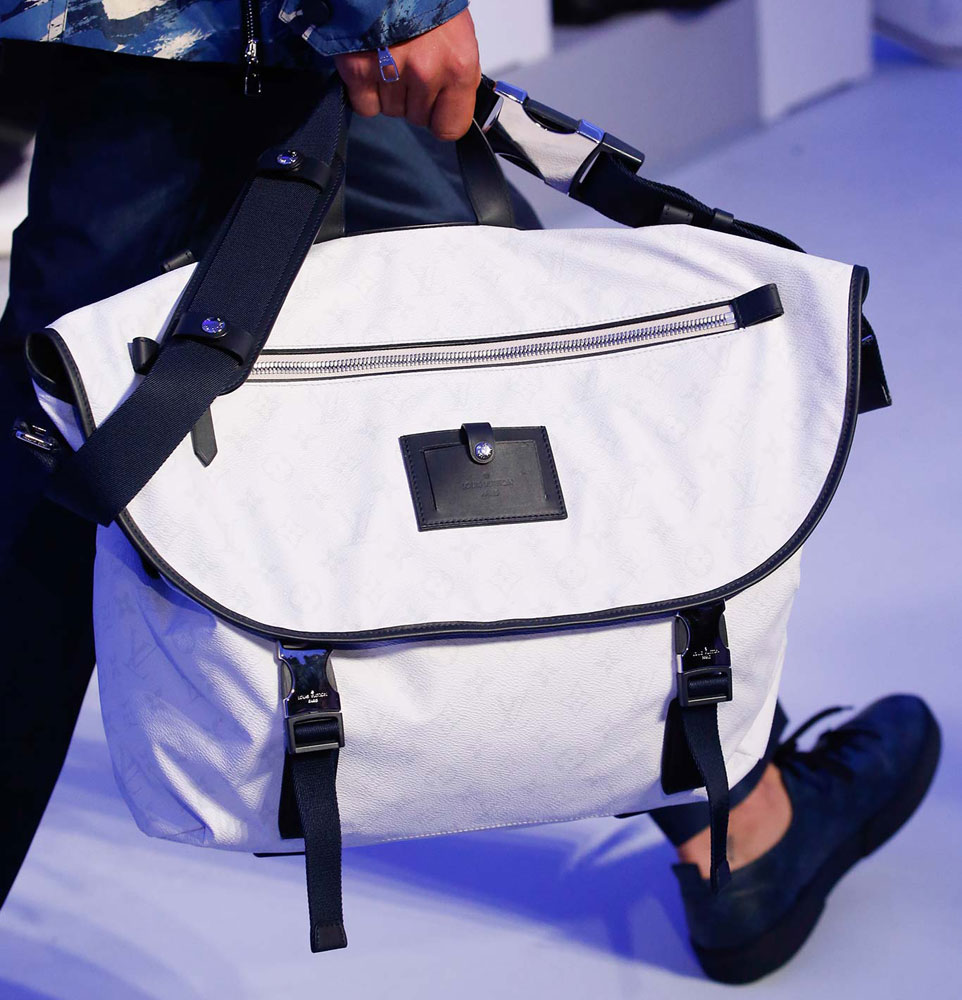 Louis-Vuitton-Spring-2016-Men's-Bags-22