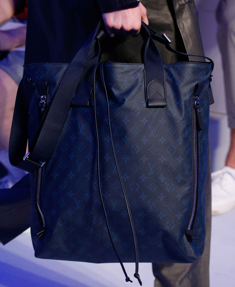 Louis-Vuitton-Spring-2016-Men's-Bags-24