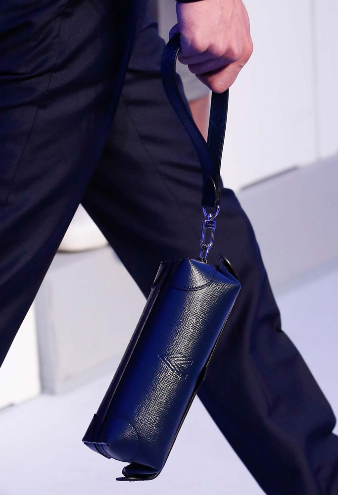 Louis-Vuitton-Spring-2016-Men's-Bags-5