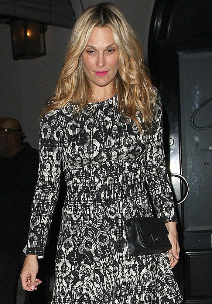 Molly-Sims-Chanel-Classic-Flap-Bag