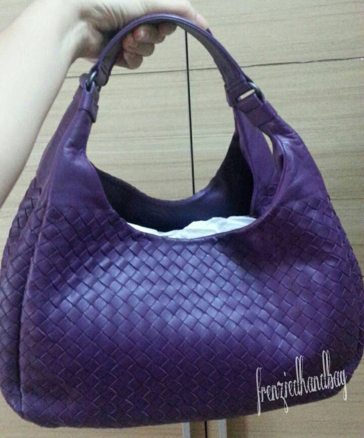 Bottega-Veneta-Double-Handle-Hobo