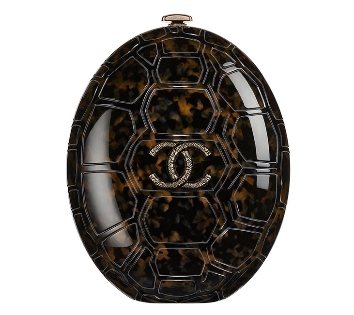 Chanel-Cruise-2016-Turtle-Shell-Clutch