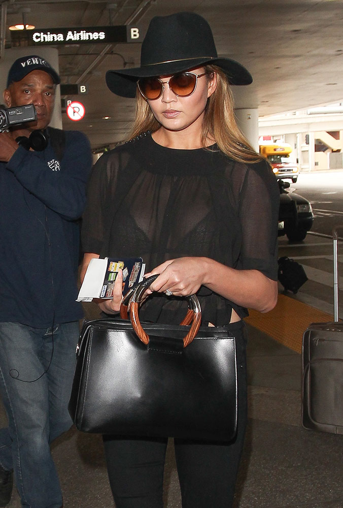 Chrissy-Teigen-The-Row-Classic-Tote
