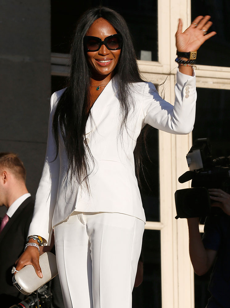 Naomi-Campbell-Versace-Box-Clutch