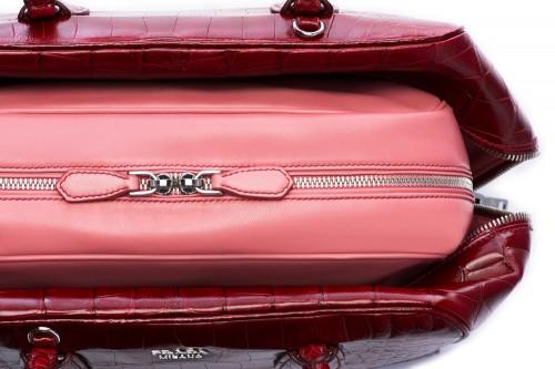 Prada Inside Bag Croco Cherry Tamaris Detail 06