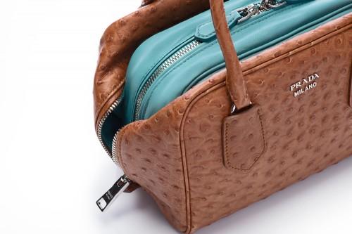 Prada Inside Bag Struzzo Caramel Anice Detail 02