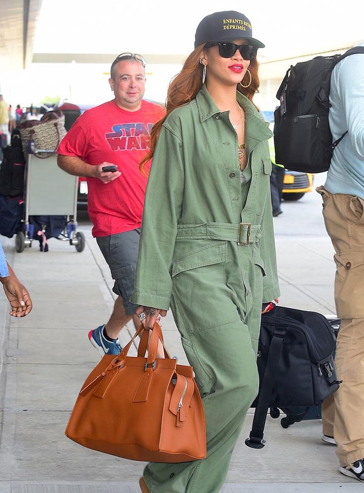 Rihanna-Giorgio-Armani-Le-Sac-11-Handbag