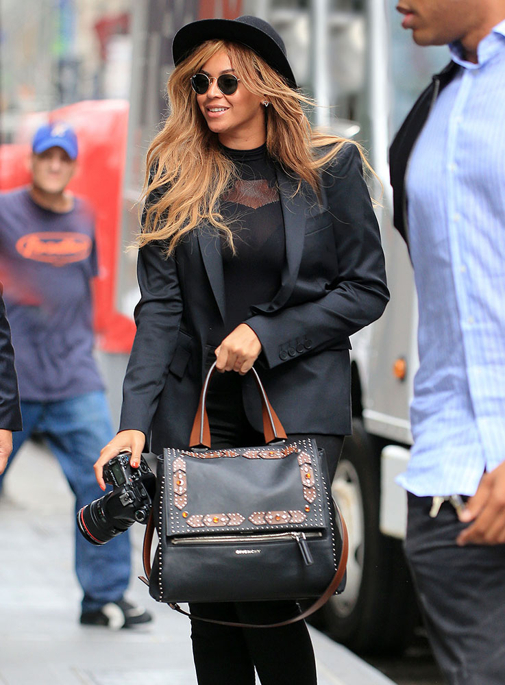 Beyonce-Givenchy-Pandora-Pure-Bag