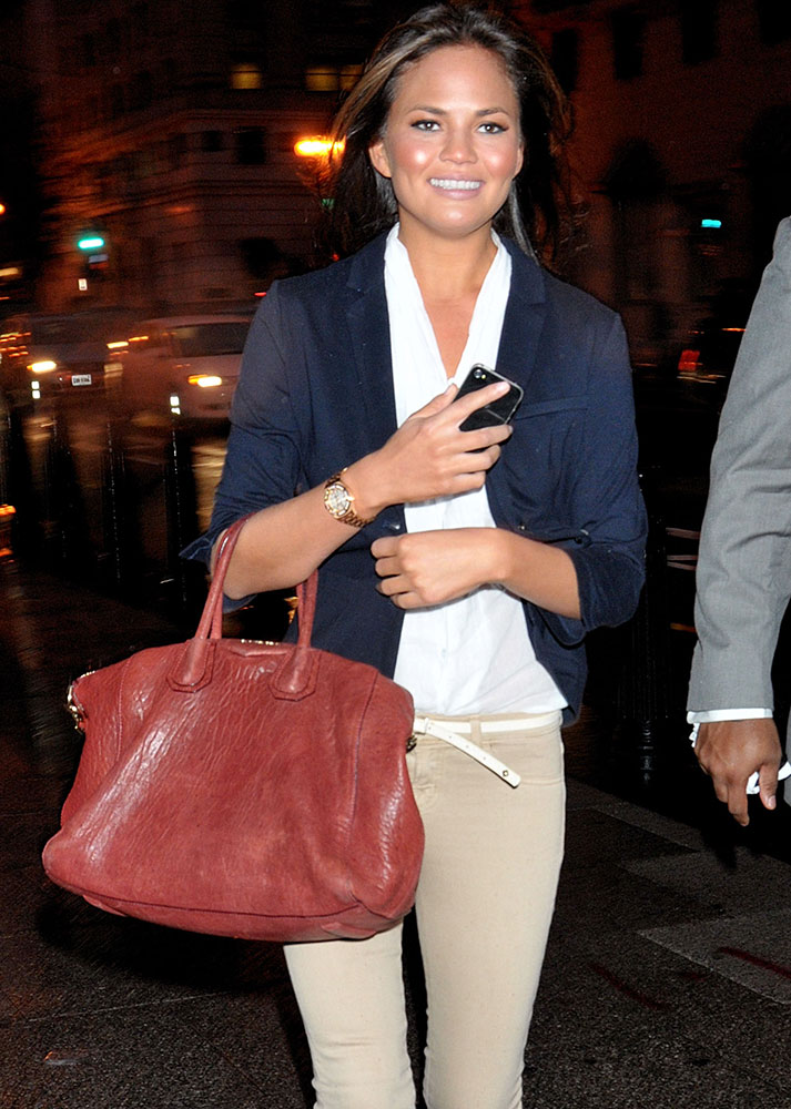 Chrissy-Teigen-Givenchy-Antigona-Bag-Red