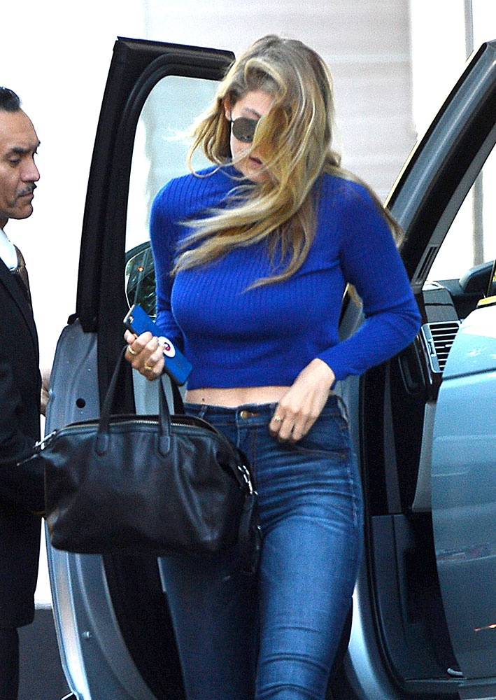 Gigi-Hadid-Elizabeth-and-James-Scott-Duffel-Bag