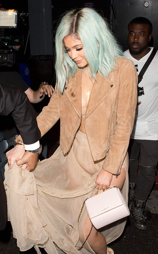 Kylie-Jenner-Givenchy-Pandora-Box-Bag
