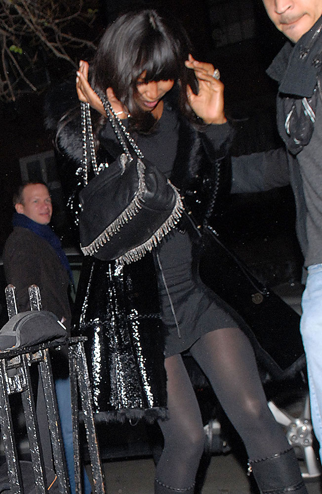 Naomi-Campbell-Chanel-Metallic-Fringe-Shoulder-Bag