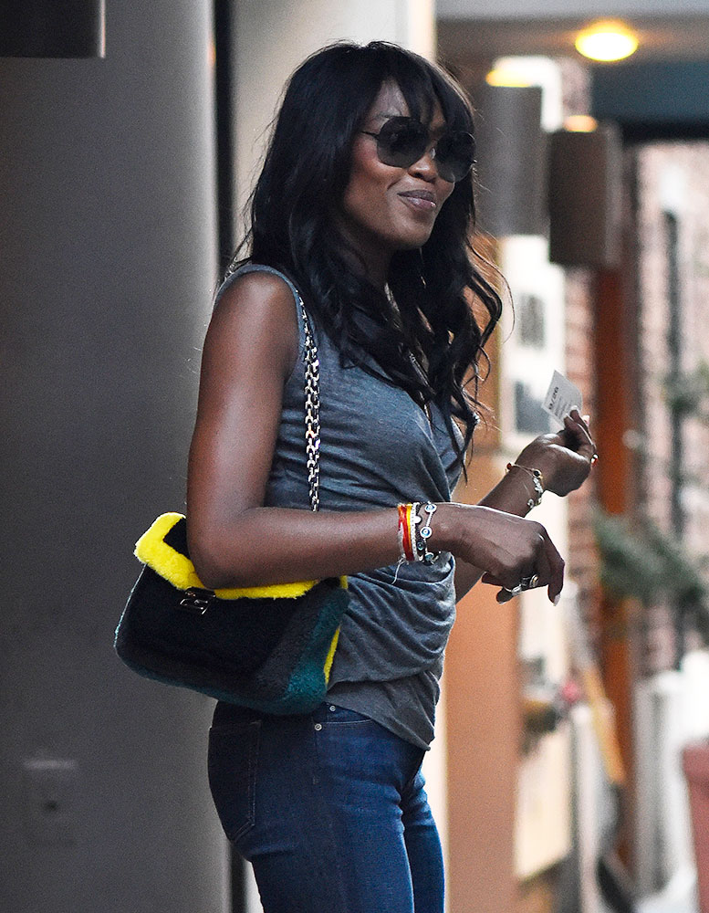 Naomi-Campbell-Fendi-Shearling-Be-Baguette-Bag