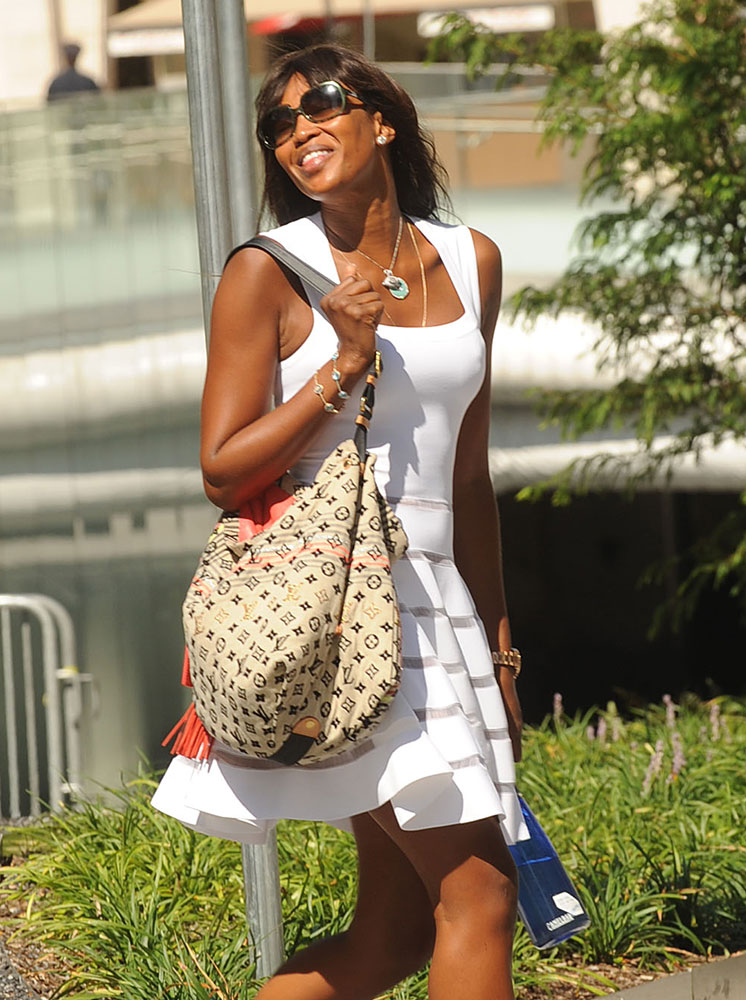 Naomi-Campbell-Louis-Vuitton-Bohemian-Monogram-Cheche-Bag
